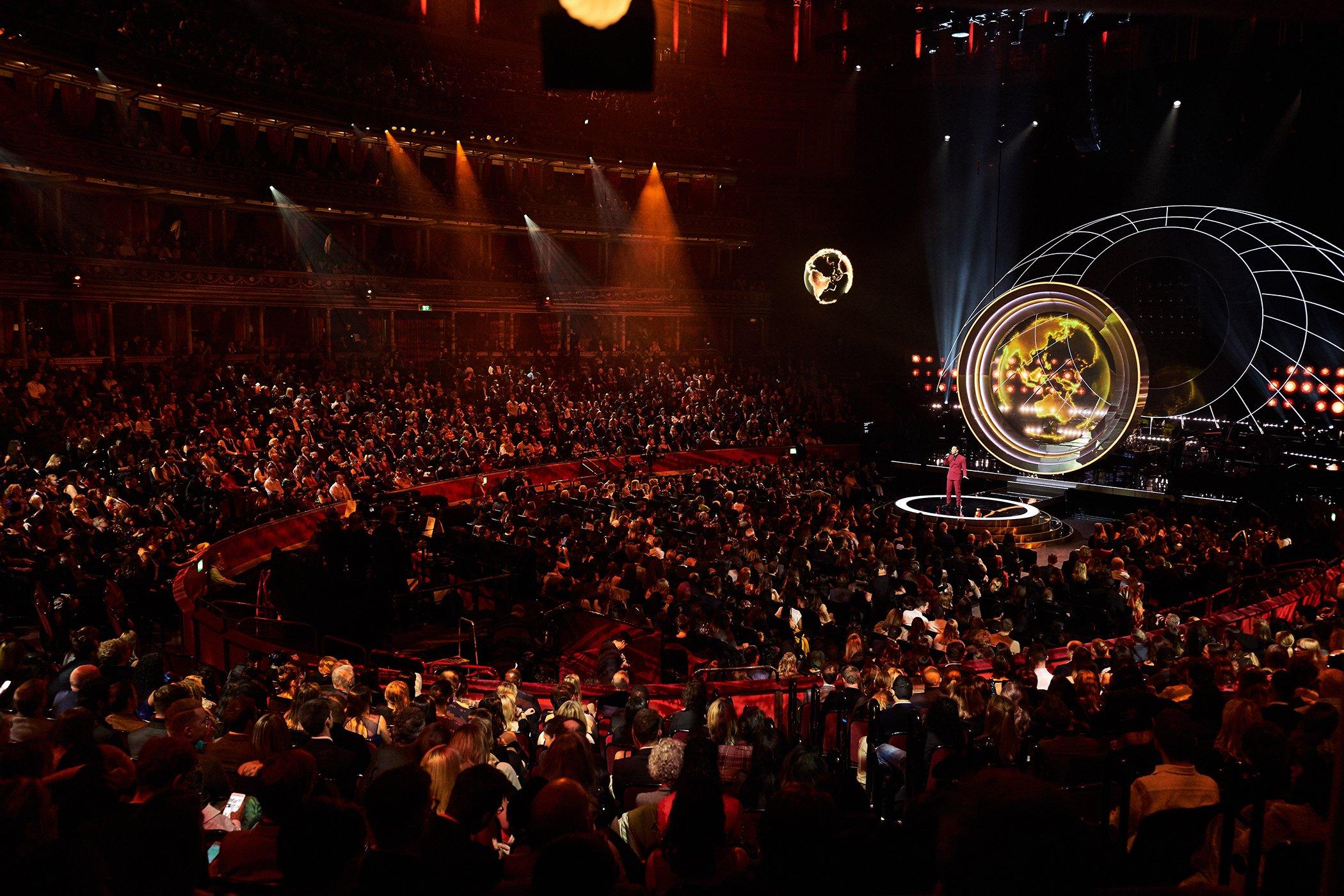 Unser Gastgeber John Legend auf der Bühne der Robert Albert Hall, London, beim Global Citizen Prize am 13. Dezember 2019. Bild: Pip Cowley für Global Citizen