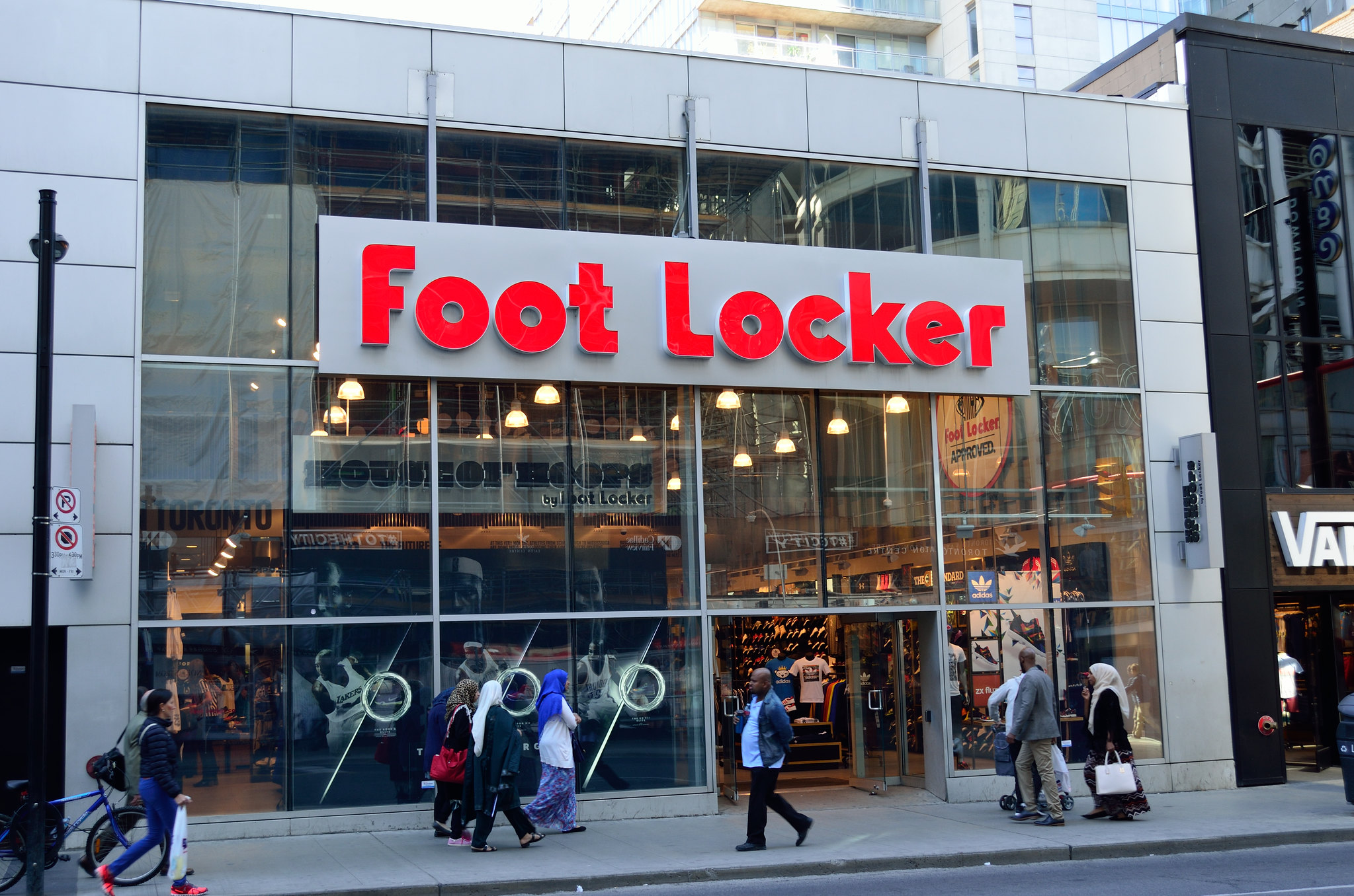 Foot Locker Transforms 2,000 US Stores Into Voter Registration Sites to Boost Youth Turnout