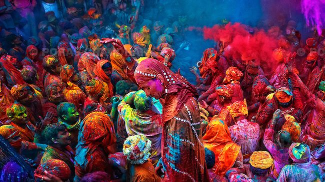 Stunning photos from India and Nepal's Holi Festival