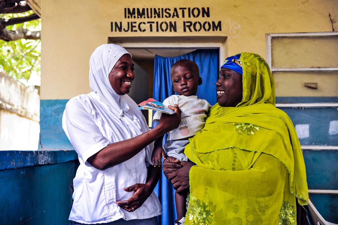 Einblicke in die Arbeit der Impfallianz Gavi. Bild: Gavi/2013/Adrian Brooks