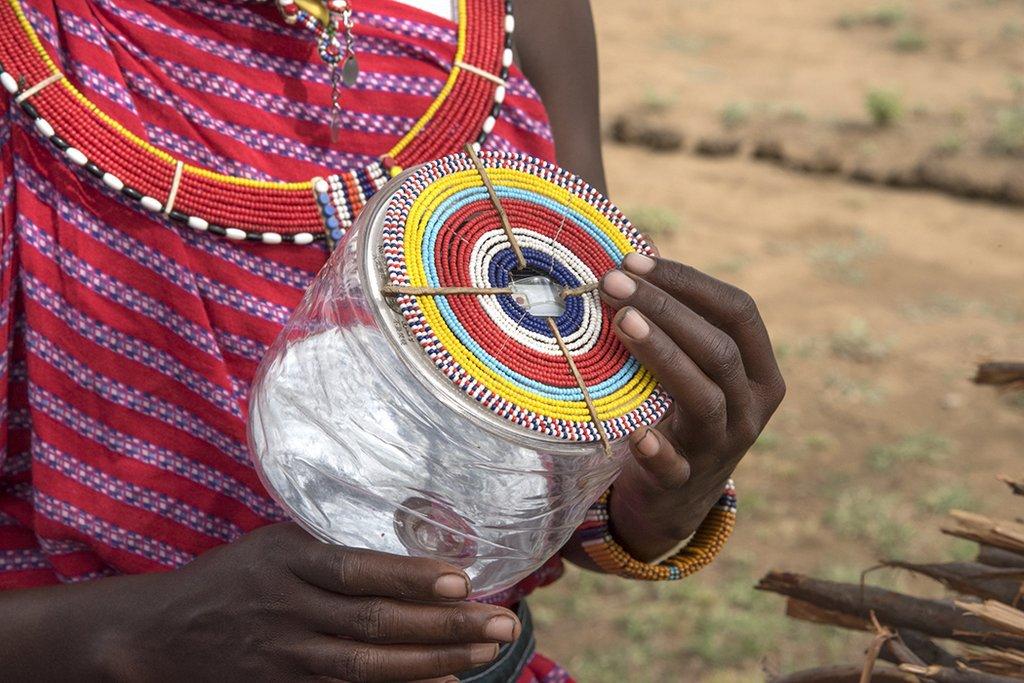 MPOWERD - solar FGM - body 2.jpg