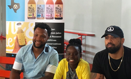 Artikel: 12 NFL Stars Just Invested $810,000 in a 12-Year-Old Girl's Lemonade Company