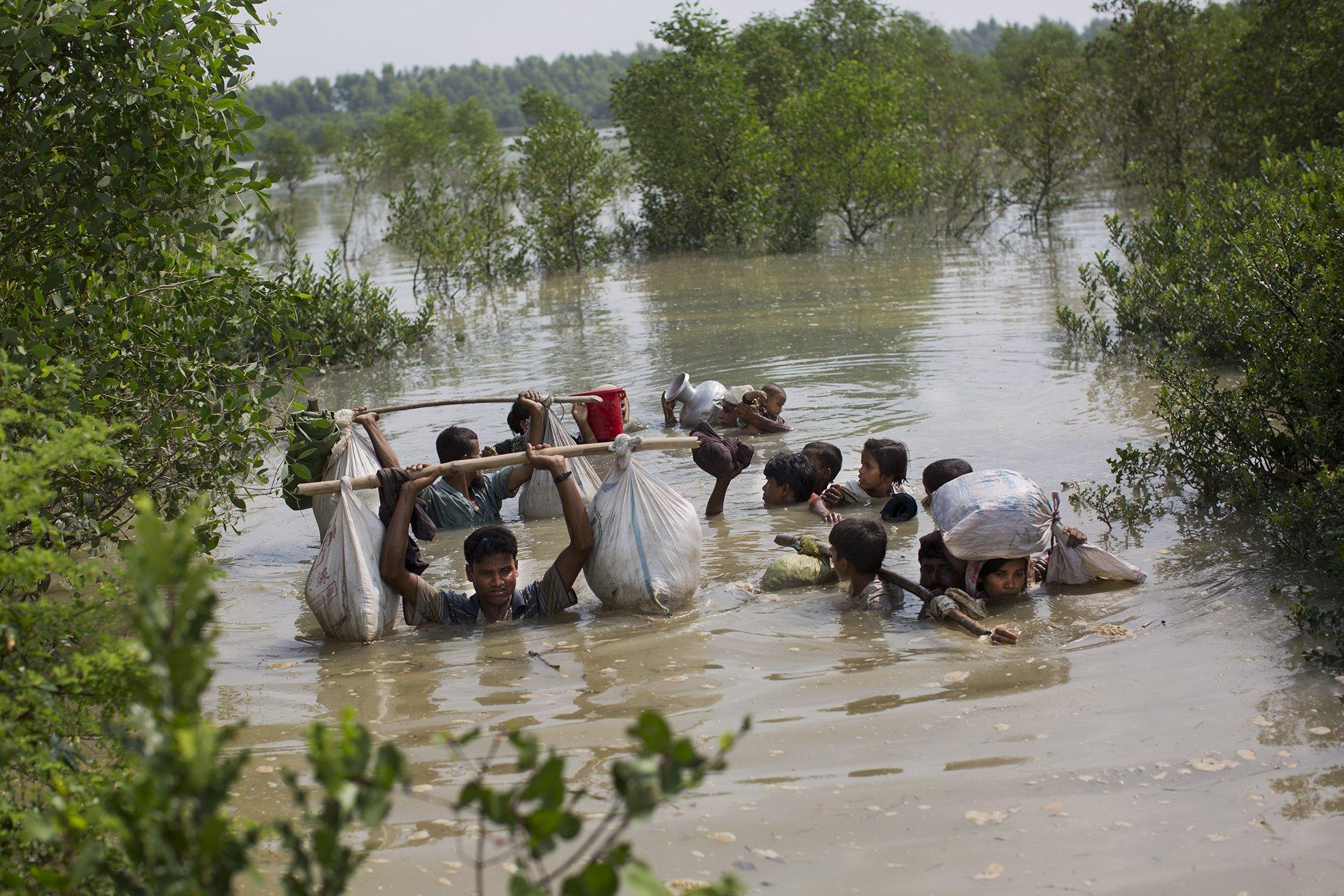 2017-Year-In-Photos-Rohingya-14.jpg