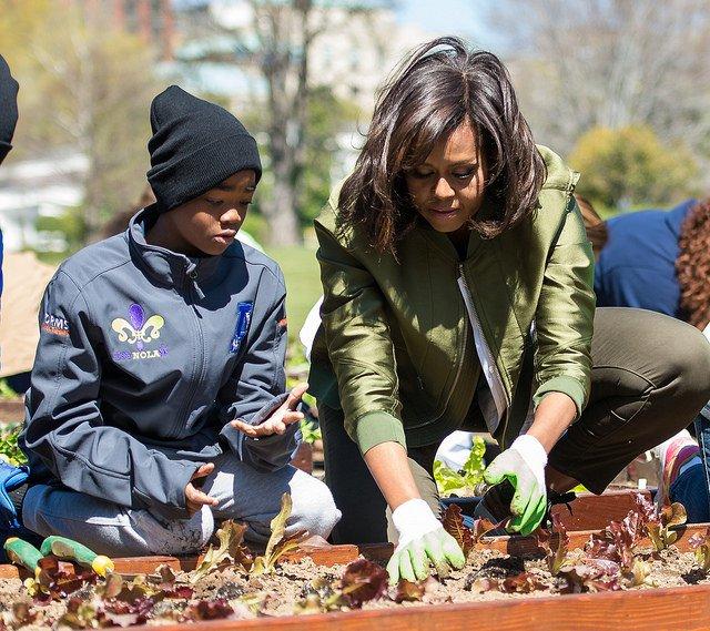 michelle obama planting garden