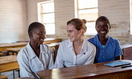 Artikel: Emma Watson Stands Up for Girls in Malawi, Slams Child Marriage