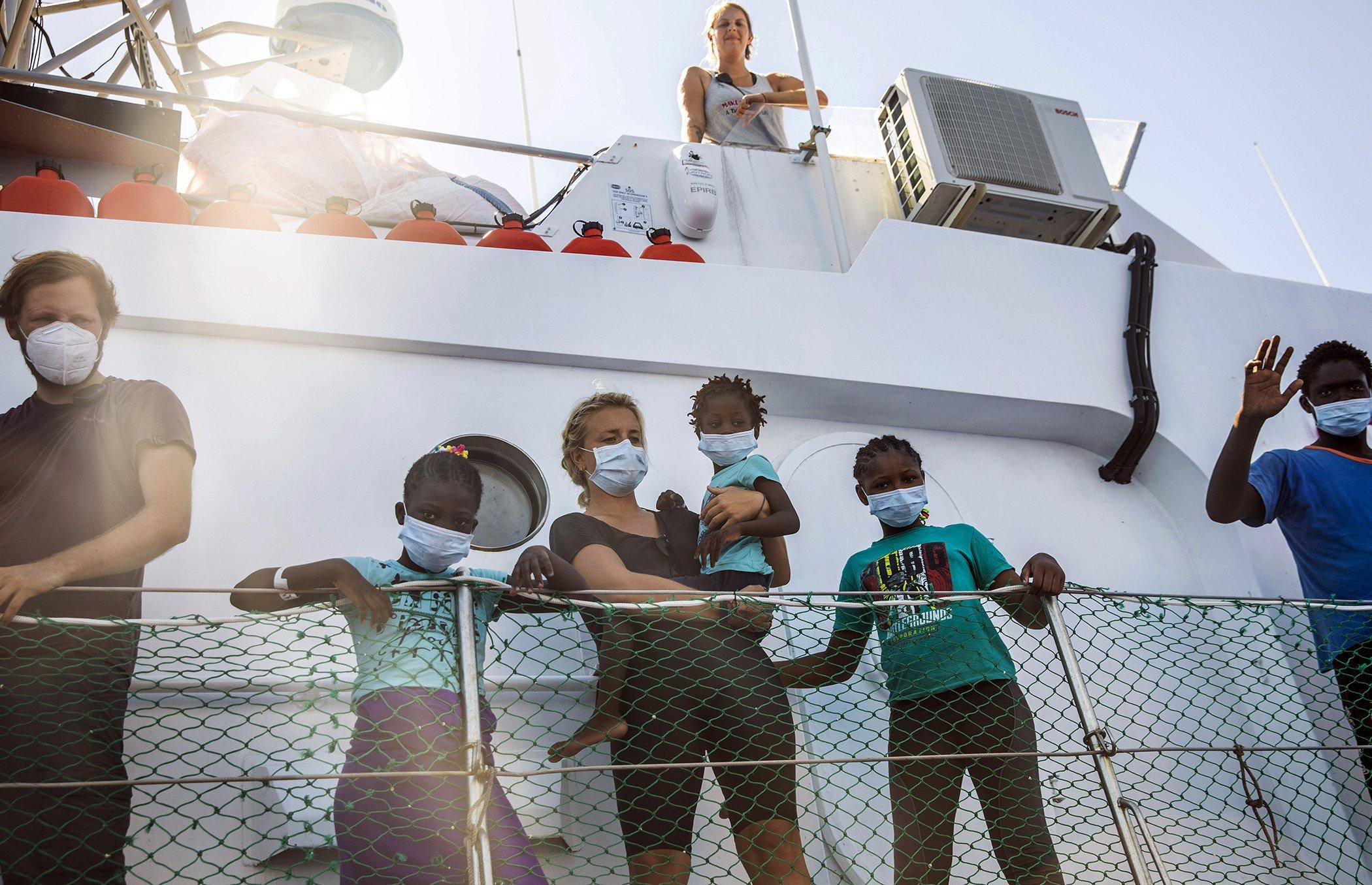 Banksy Rettungsschiff.jpg