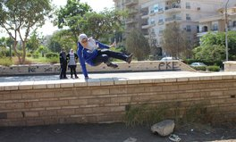 Artikel: These Female Parkour Players Are Breaking Barriers — and Jumping Over Them — in Egypt