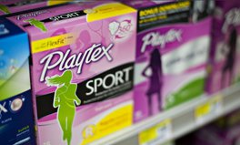 Artikel: This Massive UK Supermarket Just Cut 'Tampon Tax' for 100 Period Products