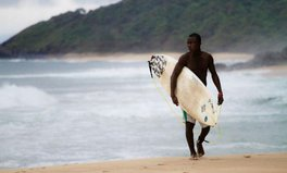 Article: Meet the Liberian Surfers Who Are Turning War Ruins into Art