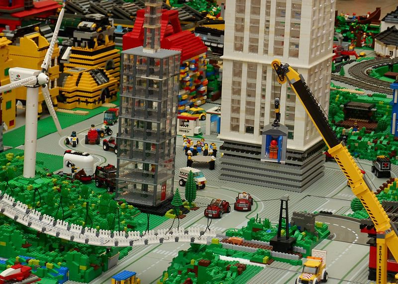 800px-Eco_City_LEGO.jpg