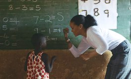 Artikel: Rihanna Spent a Week in Malawi for a Really Good Reason