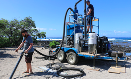 Artículo: These College Students Invented a Beach Vacuum to Suck Up Microplastics