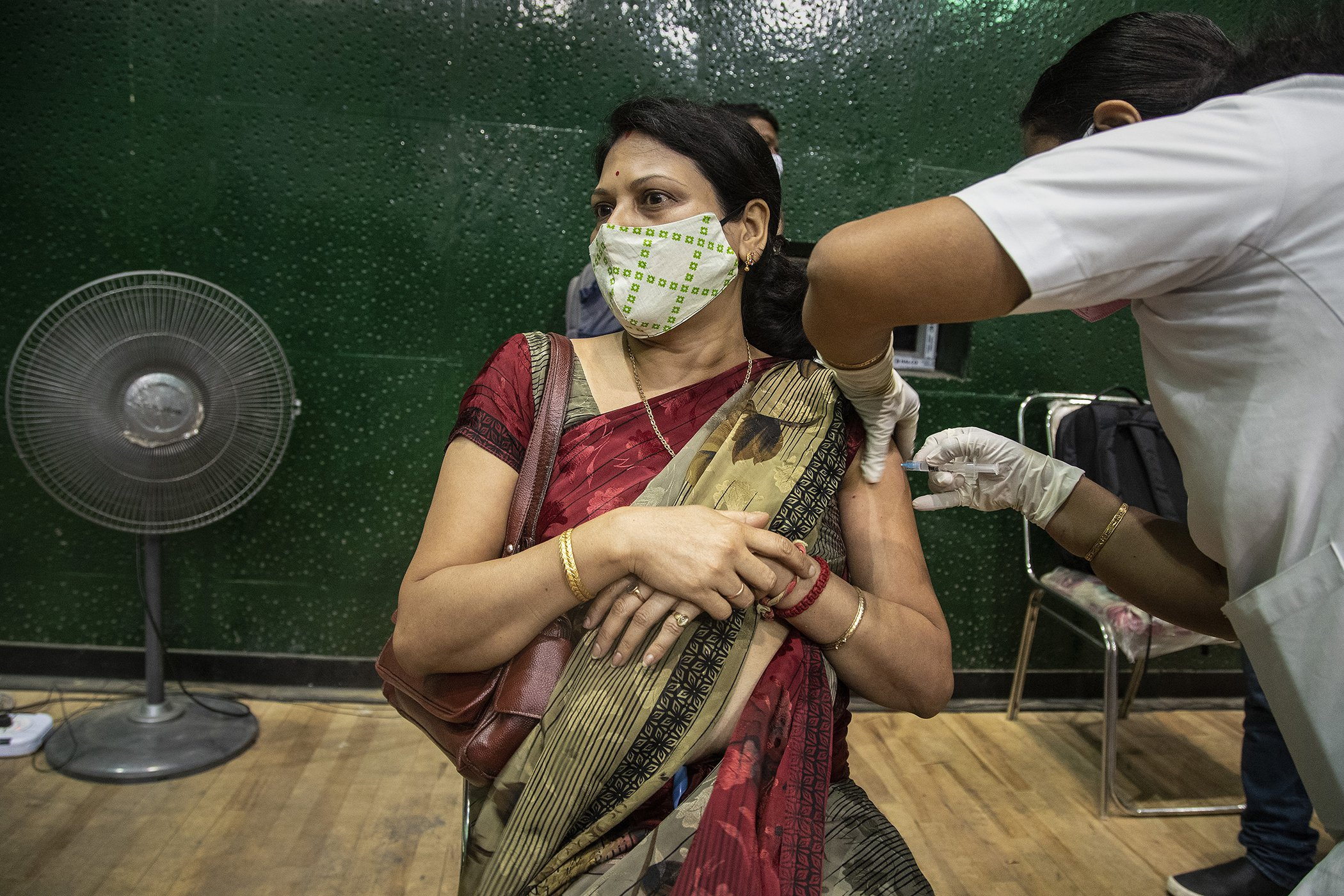 COVID-19-India-Crisis-Surge-Infections-Full-002.jpg