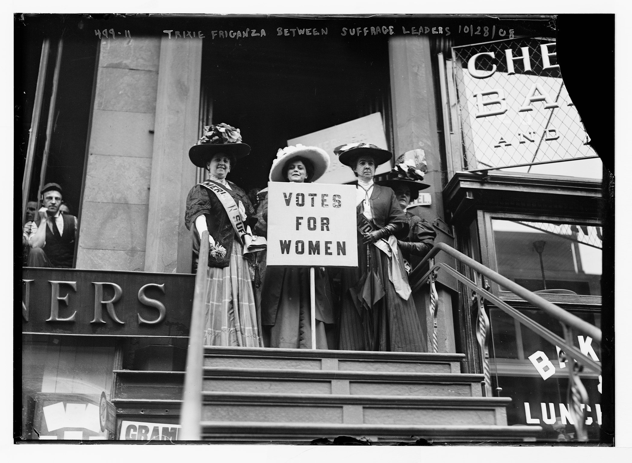 Suffragettes-Womens-Voting-Rights-United-States.jpg