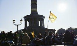 """Article: Blockaden für den Klimaschutz: Die Protestbewegung """"Extinction Rebellion"""""""