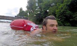 Artikel: Münchner schwimmt zur Arbeit