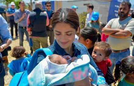 selma-hayak-visits-serian-refugees-b3.jpg