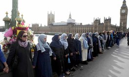 Article: Muslim Women Created a Human Chain Outside Westminster and It's Beautiful