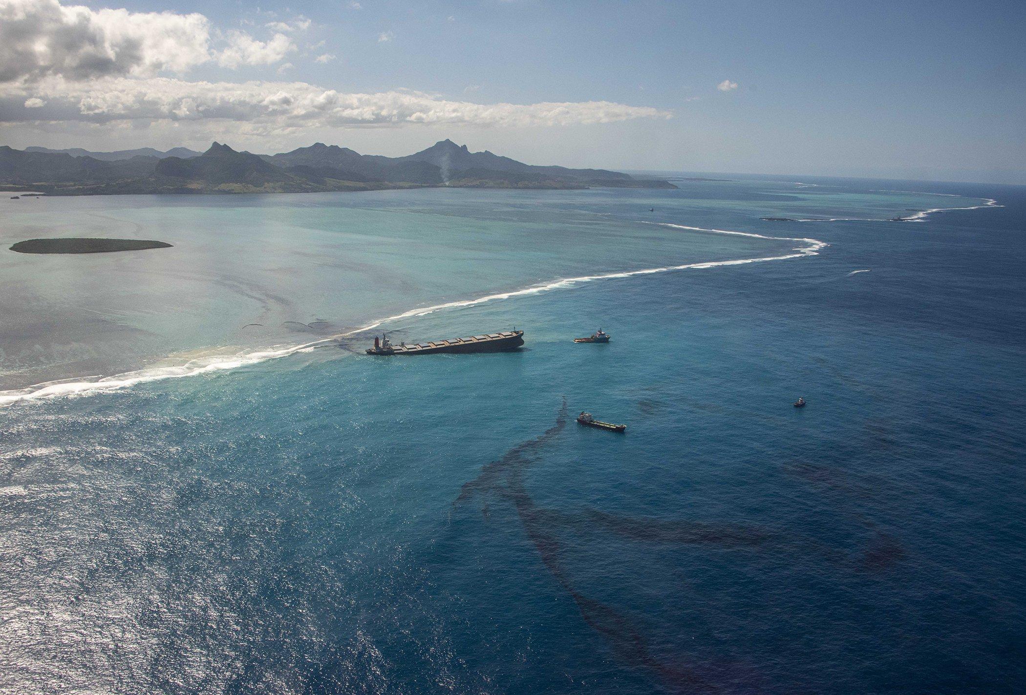 Mauritius-Oil-Spill-002.jpg
