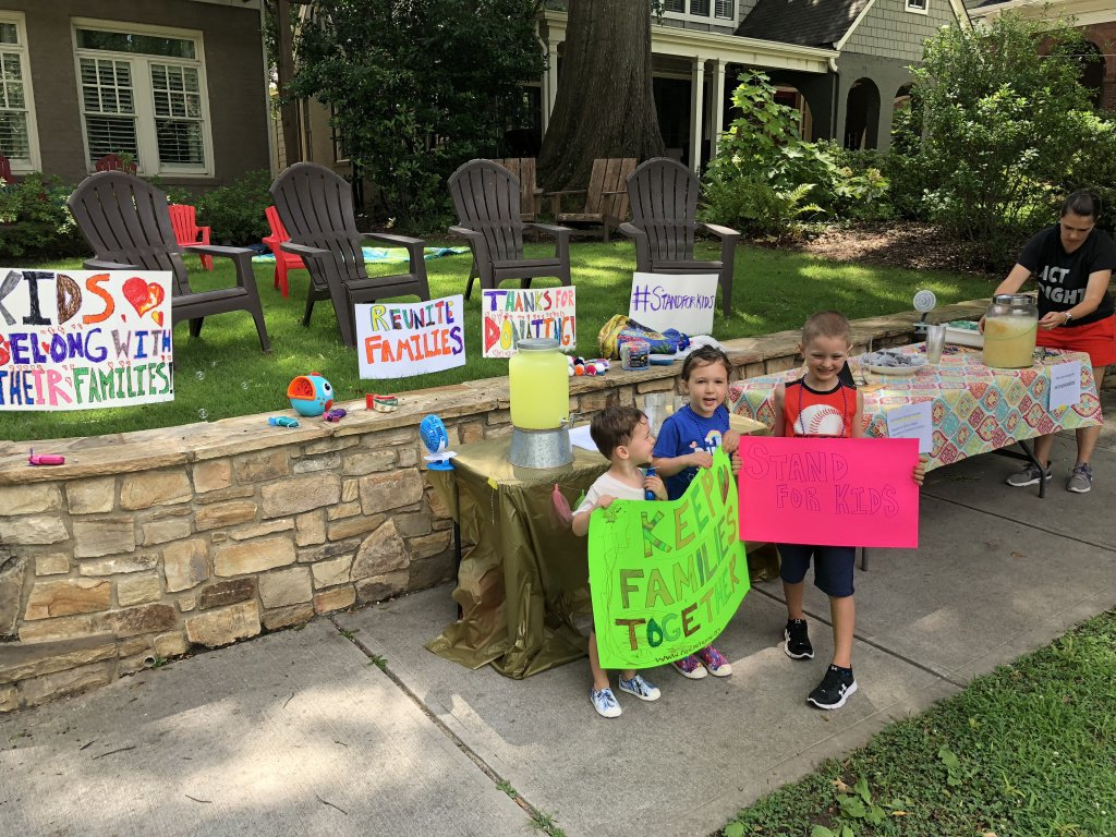 lemonade stand children shannon gaggero.jpg