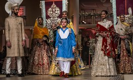 Artikel: This Young Model Sent a Power Message During a Pakistani Bridal Fashion Show