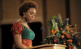 Artikel: Chimamanda Ngozi Adichie, Paulo Coelho, Christina Lamb Pen Hope in Tiny Stories For World's Children
