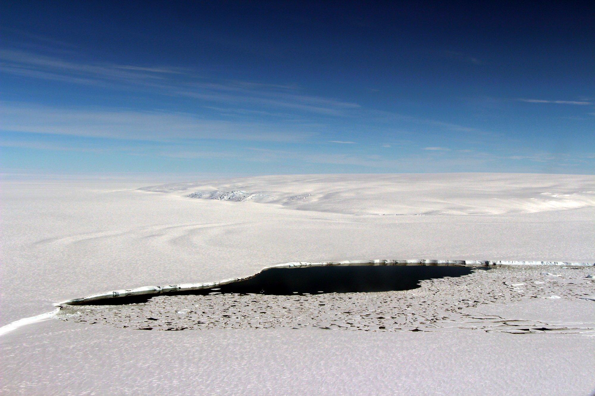 17cli-antarctica-superJumbo.jpg