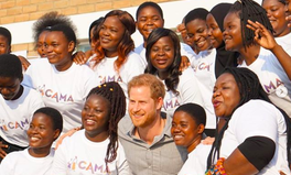Artículo: Meghan & Harry Are Shouting Out This 140,000-Member Girls Education Network in Africa