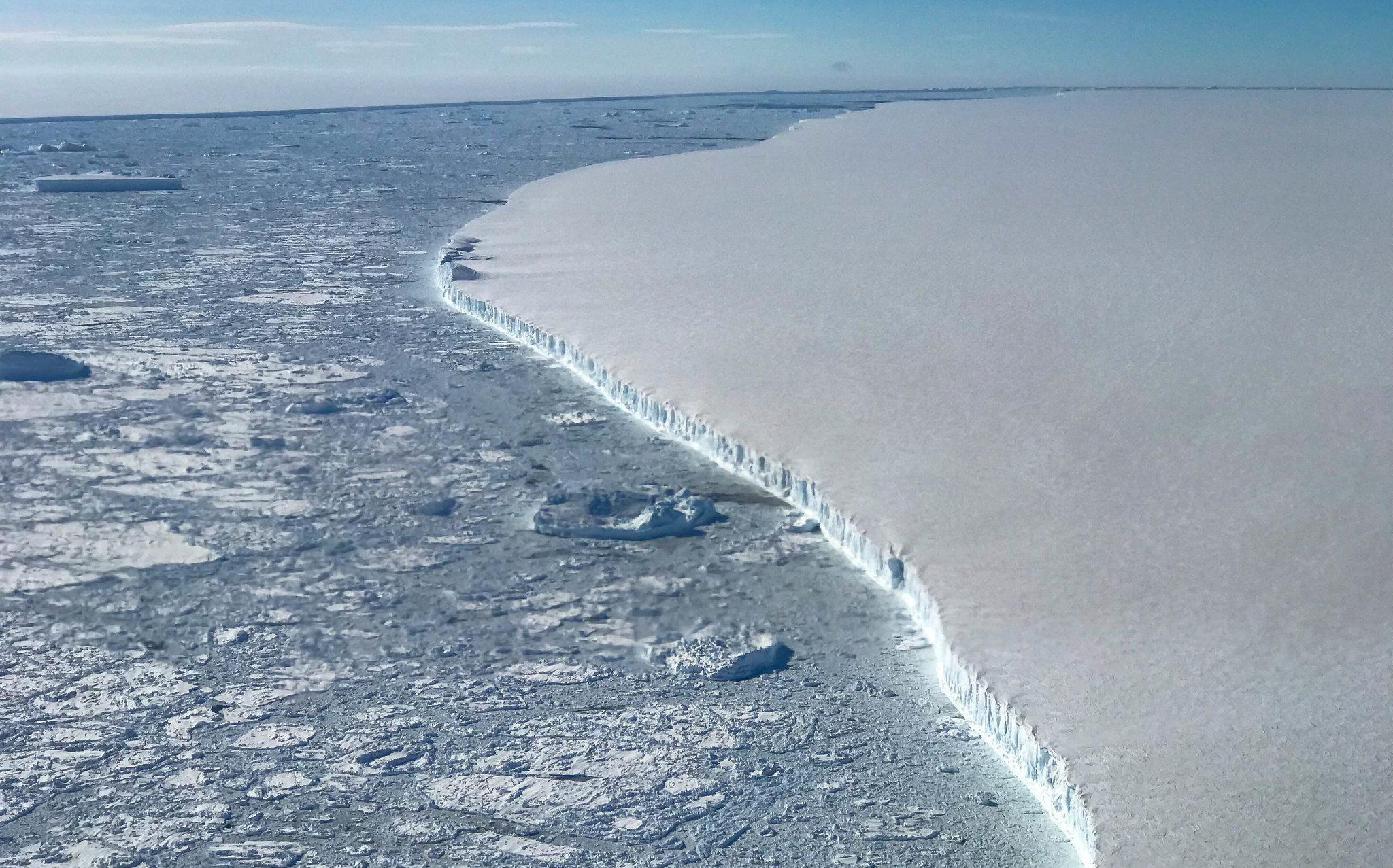 17cli-antarctica2-superJumbo.jpg