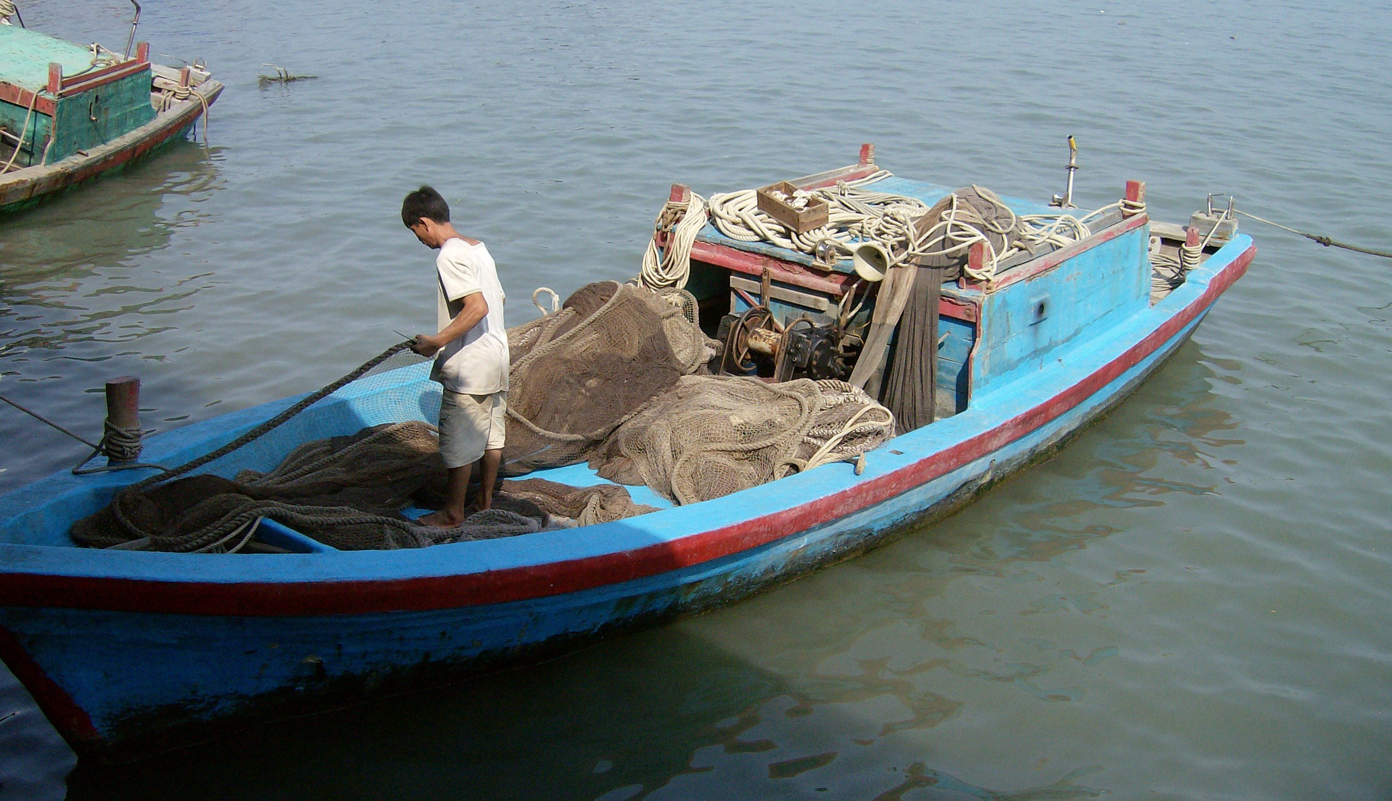 fisherman fish seafood vietnam oceans warm.jpg