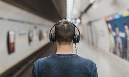 Artikel: Keine Panik: Diese Podcasts informieren dich rund ums Coronavirus