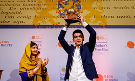 Artikel: This Syrian Boy Just Won an International Peace Prize and Met Malala