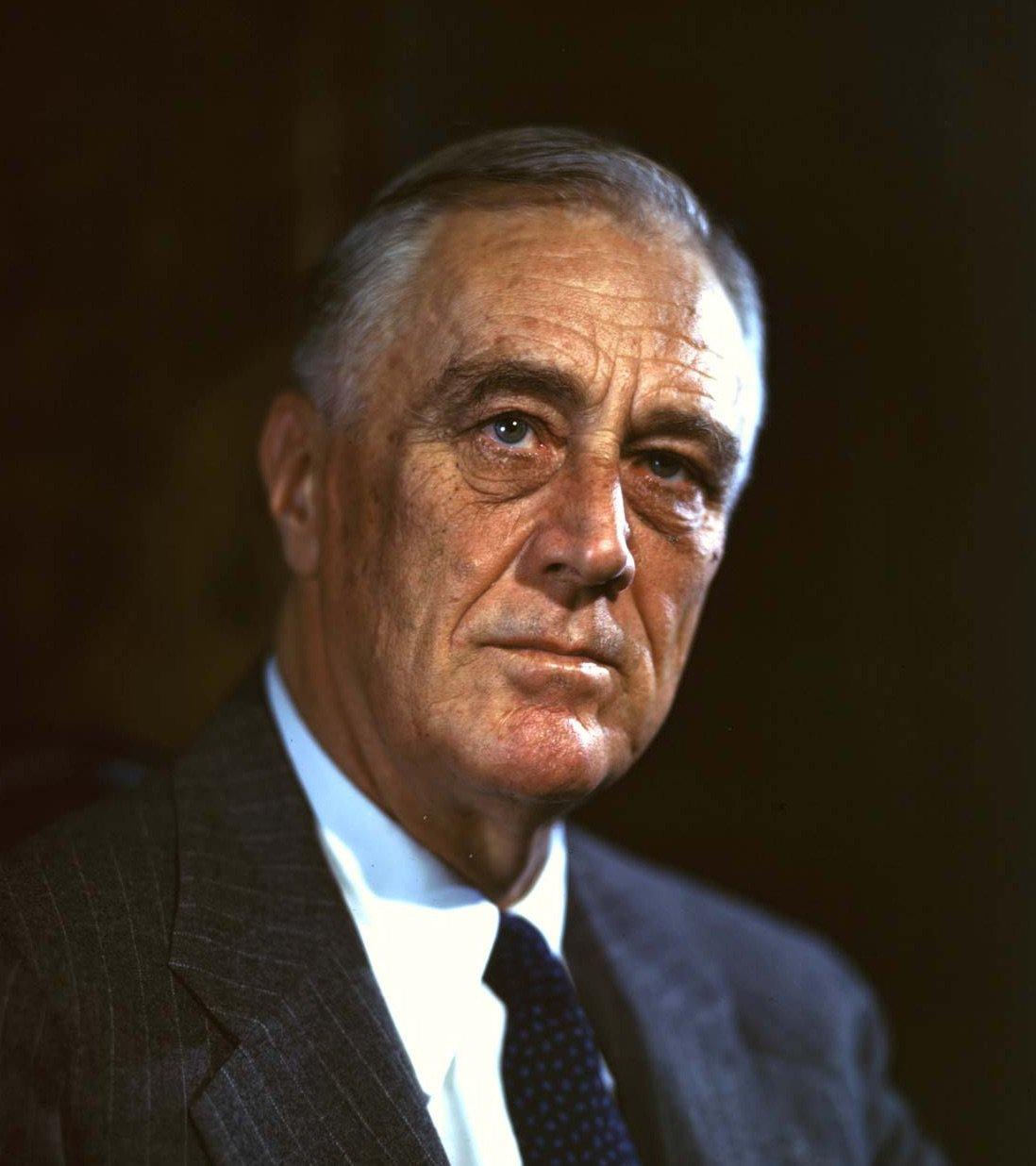 Franklin-D-Roosevelt-1944.-stars-mit-polio.jpg