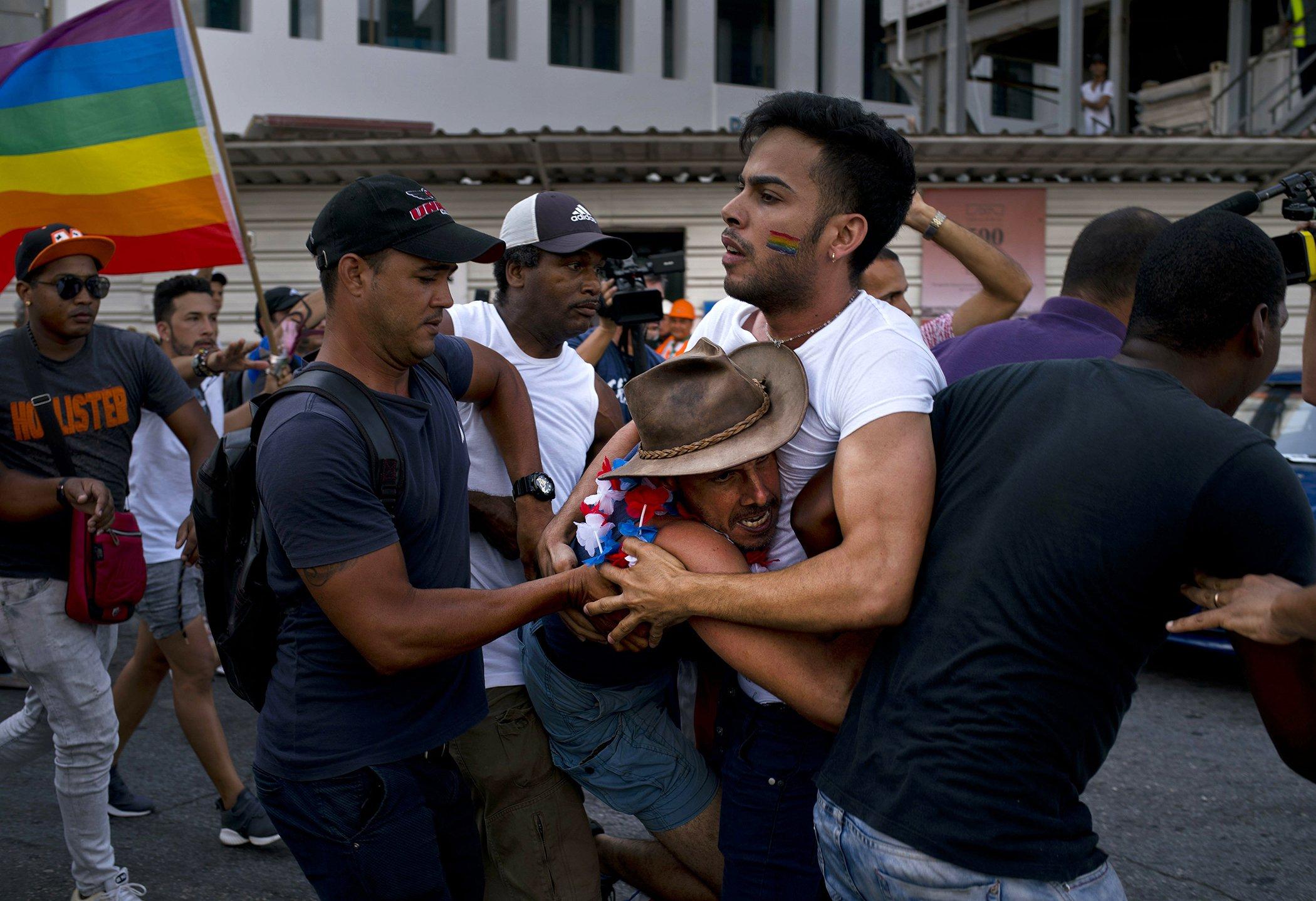 Cuba-LGBT-Parade-001.jpg