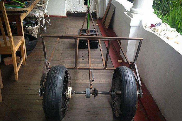 malawi wheel 2 roadless cart.jpg