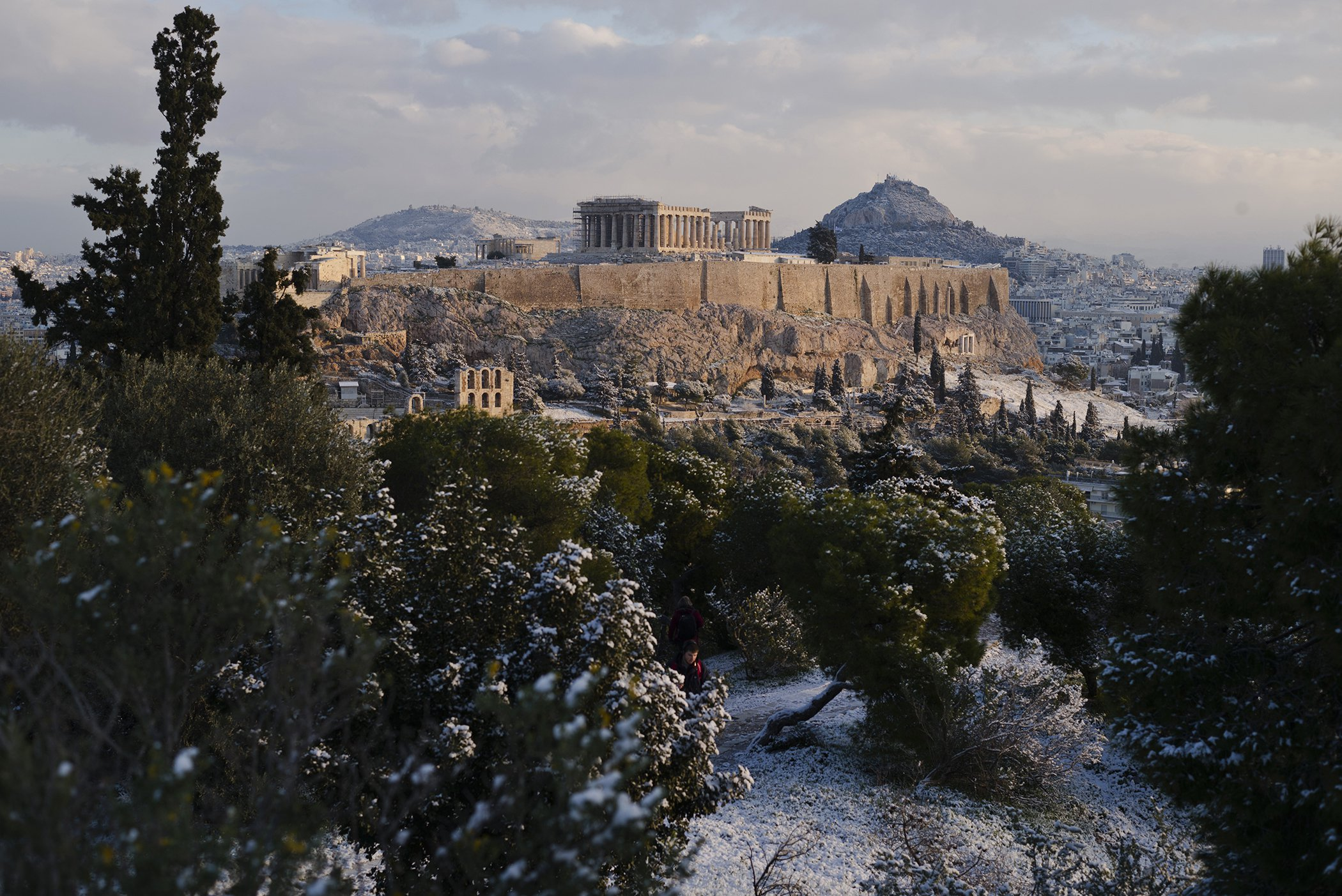 Snow-Athens-Record-Breaking-Cold-Weather.jpg