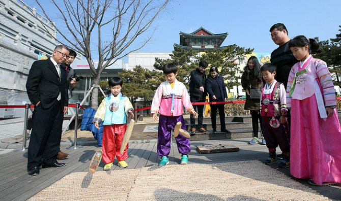 the-beauty-of-lunar-new-year-celebrations-around-t Body 7.jpg