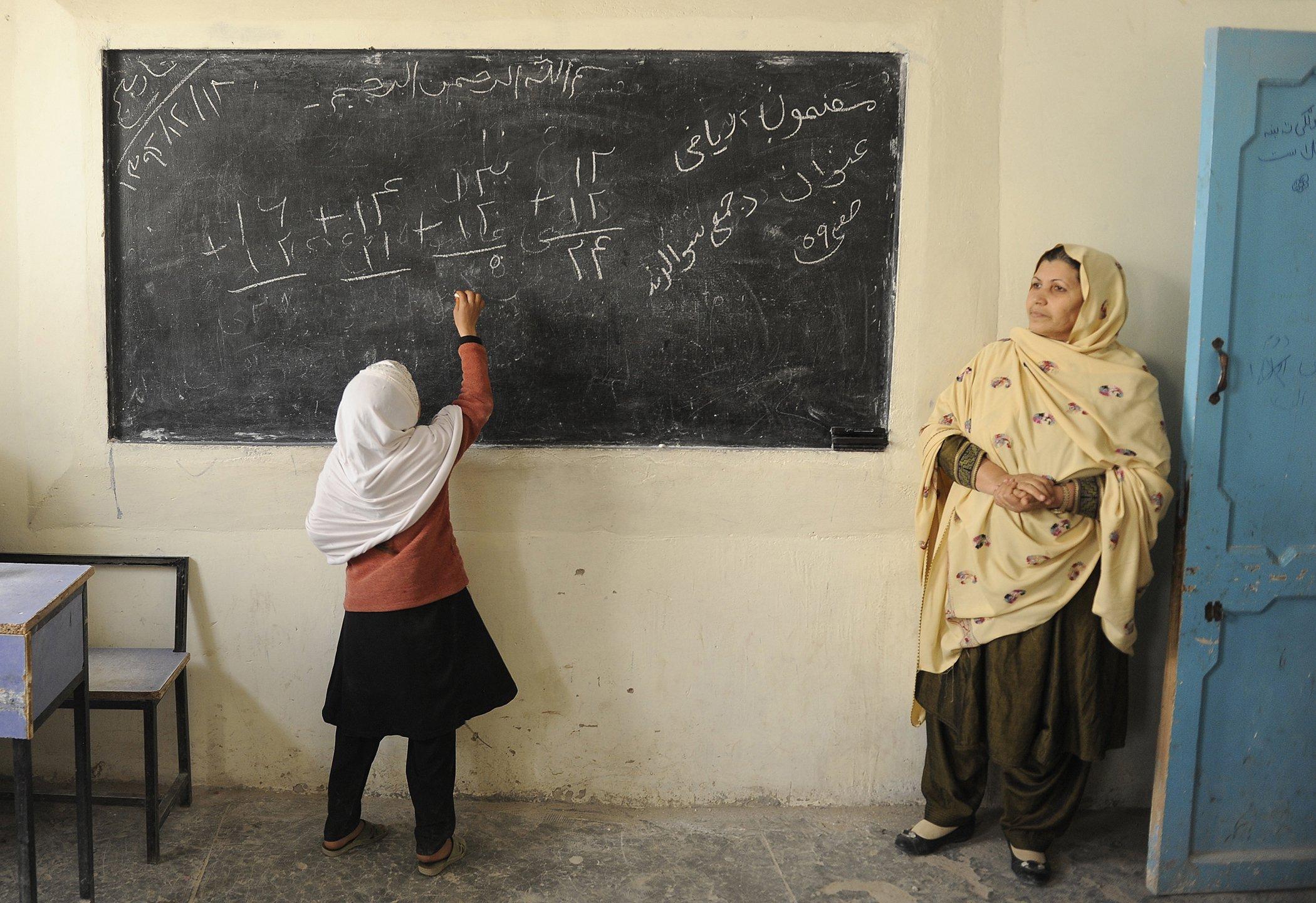 EducationAroundTheWorld_Afghanistan_006.jpg