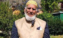 Article: 100-Year-Old Man Raises £186,000 to Fight COVID-19 by Walking Laps in His Garden During Ramadan