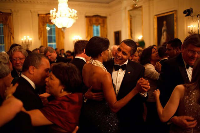obama-44-photos-gc-dance1.jpg