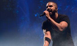 Article: Drake Just Donated $75,000 to Students in Florida