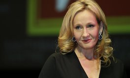 Artikel: JK Rowling receives award for fighting global inequality