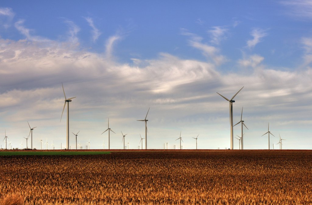 smoky_hills_wind_farm (1).jpg
