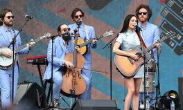 Article: Kacey Musgraves Wants You to Look for the Beauty in the World