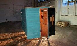 Artikel: Kölner Fotograf baut rollende Wohnboxen für Obdachlose