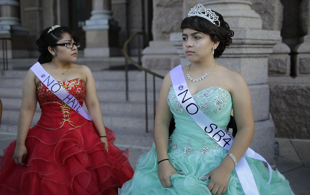 bb85cf536ef The Dazzling Photos of Latina Girls Using Quinceañera to Protest ...
