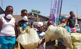 Article: Johannesburg Mayor Herman Mashaba Just Joined Young People to Help Clean Up the City