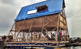 Artikel: This floating school is changing lives for kids living in a Lagos slum