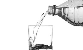 Artikel: Why You Should Probably Never Drink Bottled Water Again