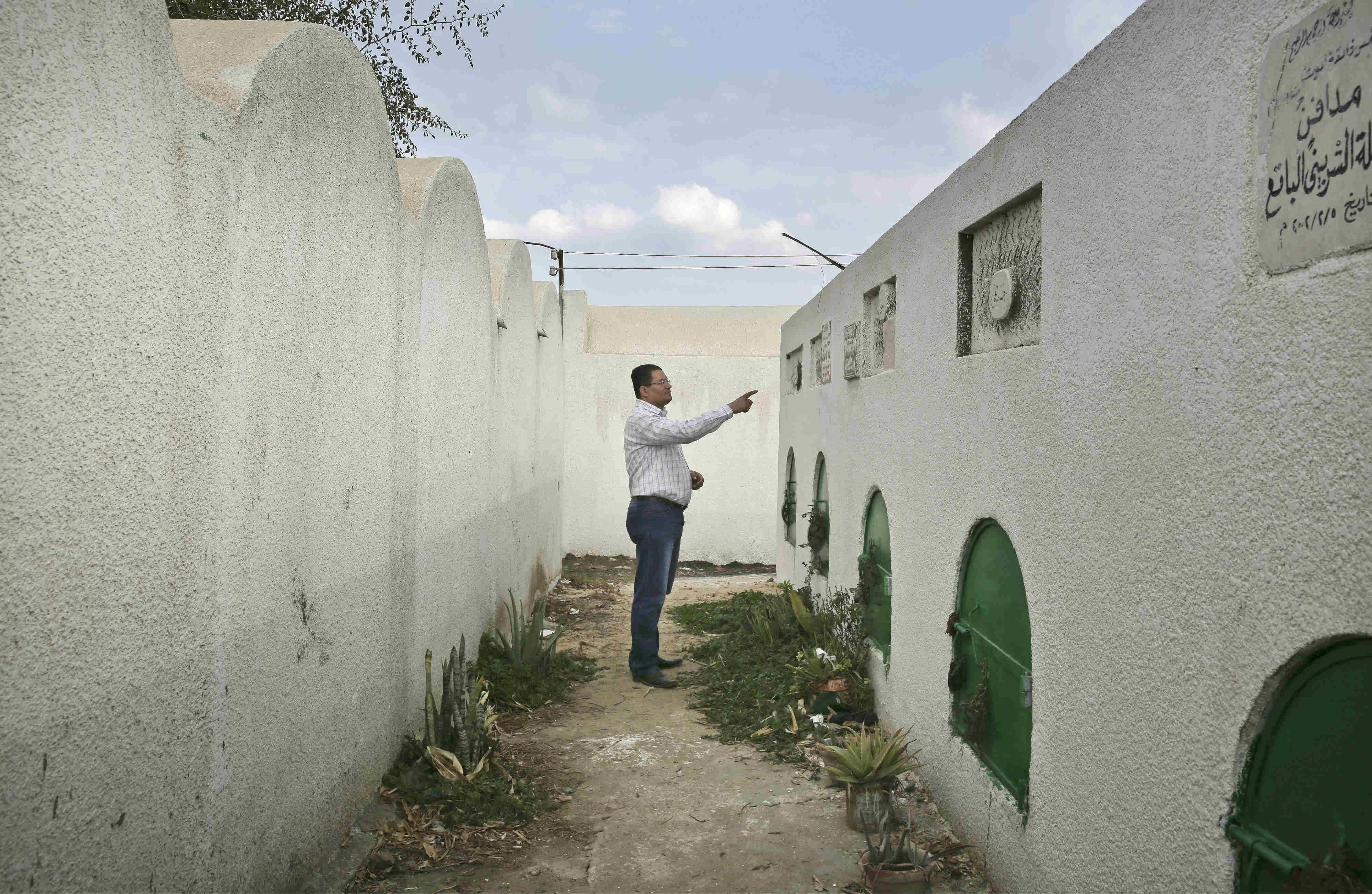 FGM-Egypt-Doctor-Jail-Arrested-BODY-AP Suhair Tomb.jpg